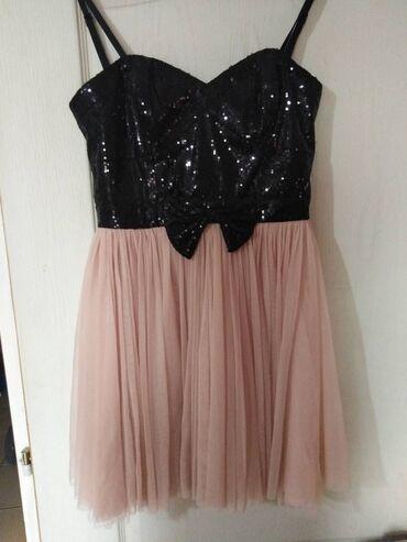 Prelepa haljina, piše veličina 10 (odgovara velicini 38)