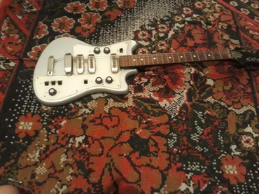 Продается электро гитара ! в Токмак