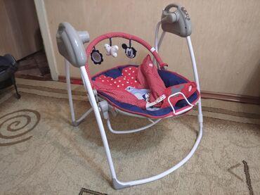 Автокресла - Кыргызстан: Продается автокресло и детская кресло качалка вместе. Состояние