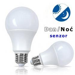 Rasveta   Pancevo: Sijalica sa senzorom dan/noć - LED 20 W- Led sijalica sa ugrađenim