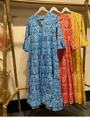 Здравствуйте, сдаётся бутик тц. Беш Сары для одежды с вещами