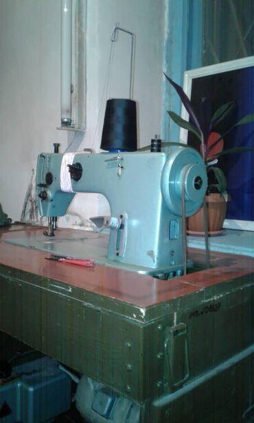 моторы для швейных машин в Кыргызстан: Продаю две промышленные швейные машинки, 22 класса на запчасти, мотор