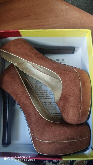 Туфли - Душанбе: Продаю туфли на высоком каблуке, новые, под замшу