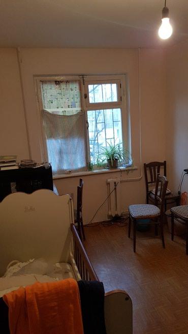 Продаю 2х квартиру ,104,с лоджией, 3 в Бишкек