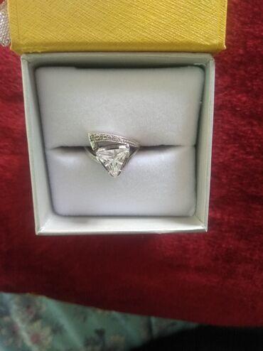 Продается кольцо, серебро, размер 17,5-18