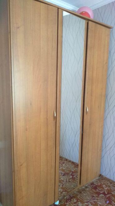 дом с бассейном бишкек в Кыргызстан: Продаю мебельный комплект в хорошем состоянии. В комплект входят: 1)