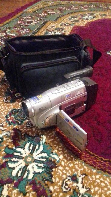 Электроника в Баку: (Proplemsiz)JVC kamera 800x zoom(kasetlə işləyir)real alıcıya qiymətdə