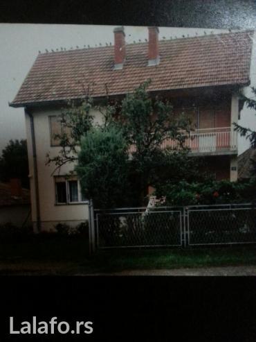 Prodaje se kuca u barosevcu opstina lazarevac sa 7ari placa i pomocnom - Lazarevac