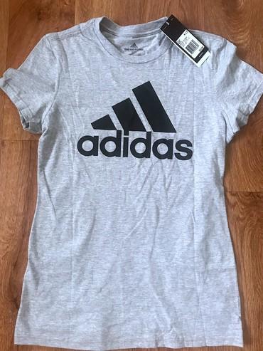 Женская одежда в Чаек: Фирменная футболка Adidasоригинал. Размер S
