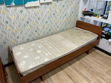 Продаю односпальнюю кровать. Длина - 2 м., Ширина - 0,85 м. Б/у. Торг