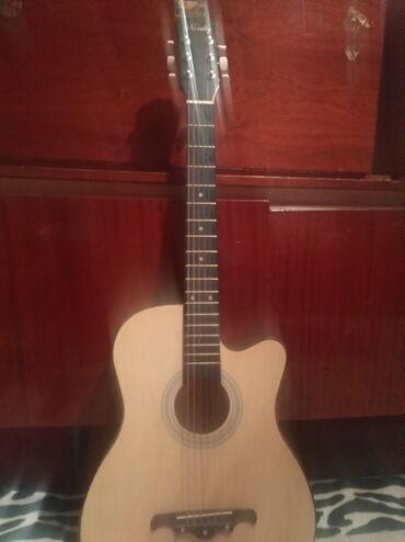 Гитары в Кемин: Продаю за 3500 Договорится можно