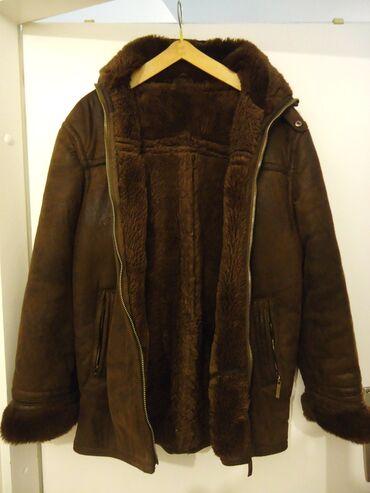 Kozna jakna sa krznom - Srbija: Muska zimska jakna,dobra imitacija velur koze. Sa krznom unutra. Pise