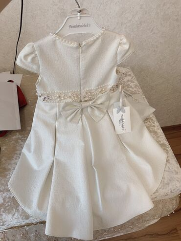 детские платья со шлейфом в Кыргызстан: Шикарное детское новое платьетурецкого производствас ободком,сумоч