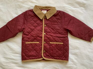Gymboree jaknica za decake, za prelazno vreme. Veoma je kvalitetna