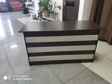 Продаю офисную мебель ( столы) 5 шт  Размер 70*1.5 высота 80