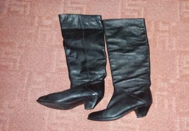 Ženska obuća | Knjazevac: Zenske kozne cizme br. 36. Visina: 37 cm. Obim: 36 cm. Stikla: 4,5 cm
