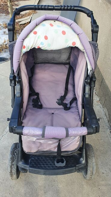 люльки электрические в Кыргызстан: Продаю детскую коляску В комплекте: маскитная сетка, люлька, зимний че