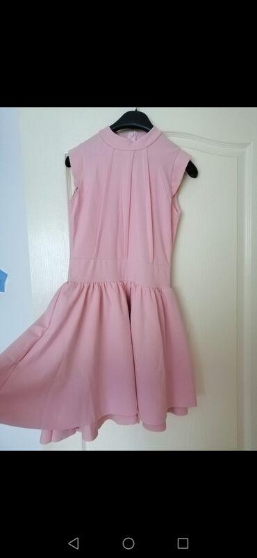 Uska haljina - Srbija: Bozanstvena roze haljinica za svečane prilike. Gore je uska širi se
