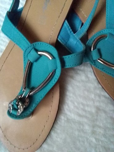 sandale nove,broj 38boja prelepa - Sombor