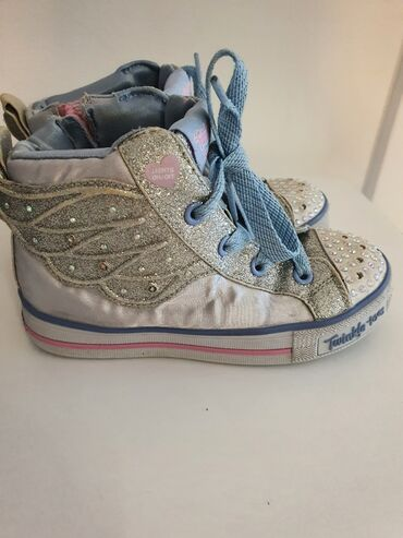 Dečije Cipele i Čizme - Sremska Kamenica: Skechers svetlece patike za devojcice,bez ostecenja,broj 28.5