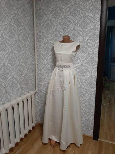 Очень красивое платье, одевали один раз только на фотосессию (муж пода
