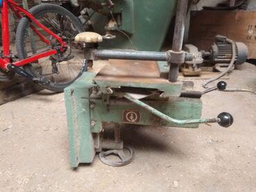 Другие инструменты - Кыргызстан: Долбёжный стол по дереву