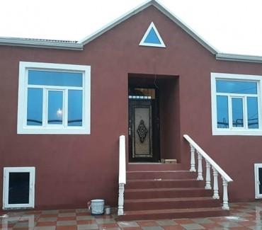 Bakı şəhərində Bineqedi Qesebesinde Tam Temirli 3 otaqlı həyət evi satılır. Evin
