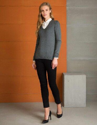 prjamye postavki s turcii в Кыргызстан: В наличии свитер от Pierre Cardin,оригинал 100%,размер S,M,XL
