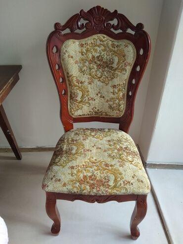 стулья для гостинной недорого в Кыргызстан: Продаются стулья с подлокотниками 2 шт по 2500 сом каждый,без