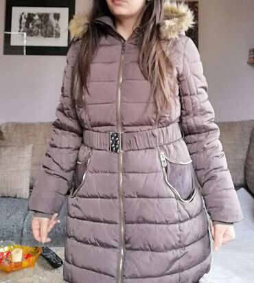 Kao nova zimska jakna L velicine, postavljena prelepa