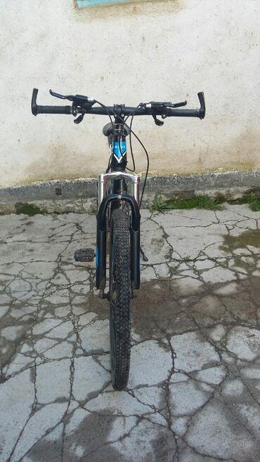 Продаю велосипед состояние нормально, скорости все работают