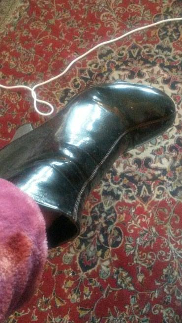 женскую ботинку на осень в Кыргызстан: Димисизоные на весну осень 350сом адела 2раза