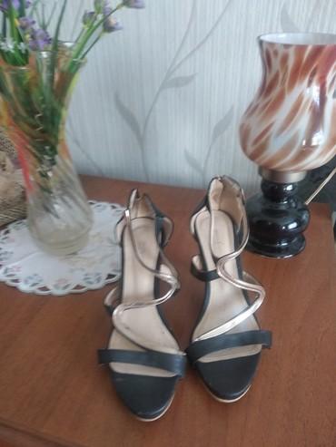 Женская обувь в Чолпон-Ата: Продаю босоножки 36 размера за 120 сомов