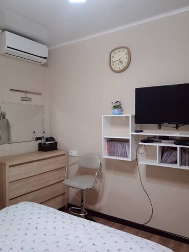 Продажа квартир - Лоджия застеклена - Бишкек: Индивидуалка, 3 комнаты, 84 кв. м Теплый пол, Бронированные двери, С мебелью