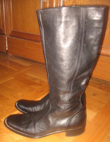 Posao u italiji - Srbija: Italijanske ravne kožne čizme     Broj: 40 Dužina gazišta: 27 cm  Duži