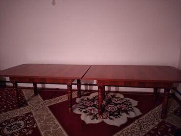 Продаю стол!хорошо подойдёт для зала, ножки плотные,не шатаются размер