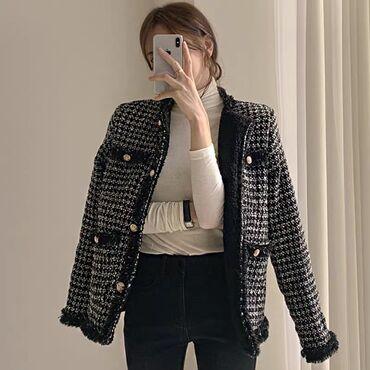 Утеплённый пиджак  Размер: S, M, L Цвет: чёрный, молочный