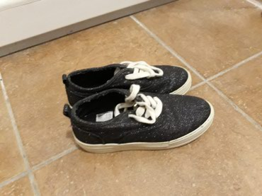Zenske cipele sa platformom,crne sa strasom br 38.Samo 399 din - Pozarevac
