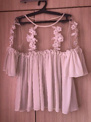 Белая нарядная блузочка на лето
