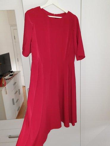 Haljine - Sremska Mitrovica: Crvena svilena lepršava haljina. Ručni rad. Veličina 42-44. Jednom
