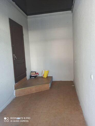 продажа комнаты в Кыргызстан: Сдаю комната в центре на 1 этаже под магазины. 2*4 размер комнаты.( пе