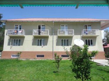 Отдых на Иссык-Куле - Чолпон-Ата: Наш гостевой дом находится в 5 минутах от озера и 10-15 минутах ходьбы