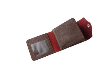 новый мужской кошелек. не использовался. компактный, стильный удобный. в Бишкек