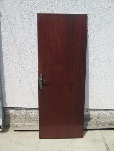 Kuća i bašta - Smederevska Palanka: Sobna vrata dobro ocuvana, dimenzija: Visina:198cm Sirina74,3cm