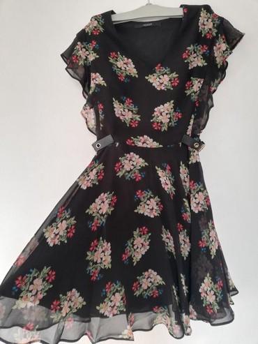 Guess-maskirne-farmerke - Srbija: Prodajem novu Guess haljinu u XS velicini. Nije nosena. Bez ostecenja