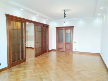 Продается квартира: 3 комнаты, 124 кв. м