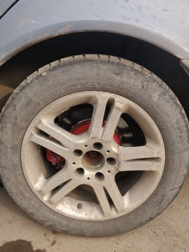 купить шины 26570 r16 в Кыргызстан: КУПЛЮ один такой диск R16 на мерса