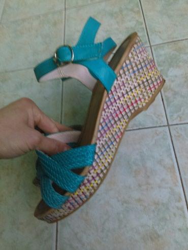 Sandale broj 39, nošene 2-3 puta, bez ostecenja - Lazarevac