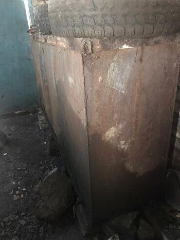 Прозрачный шифер для крыши цена - Кыргызстан: Продаю железный бак, 1200литров цена мини торг уместен
