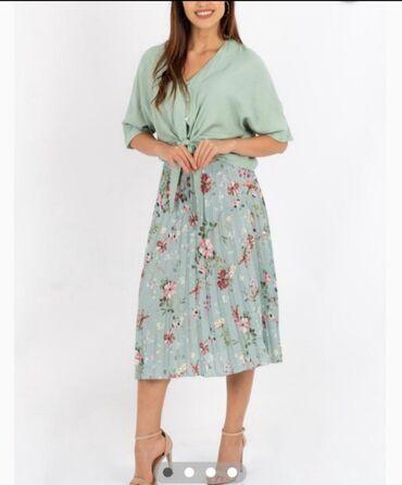 В наличии шикарная юбка производство Турция,размер М